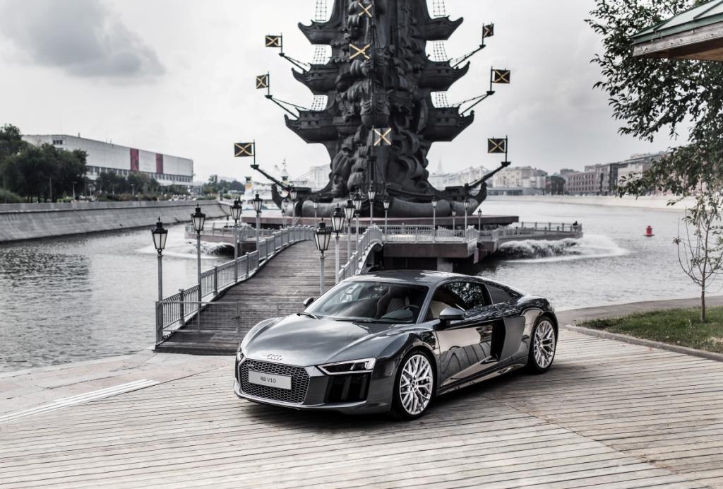 Audi R8 V10 (1)