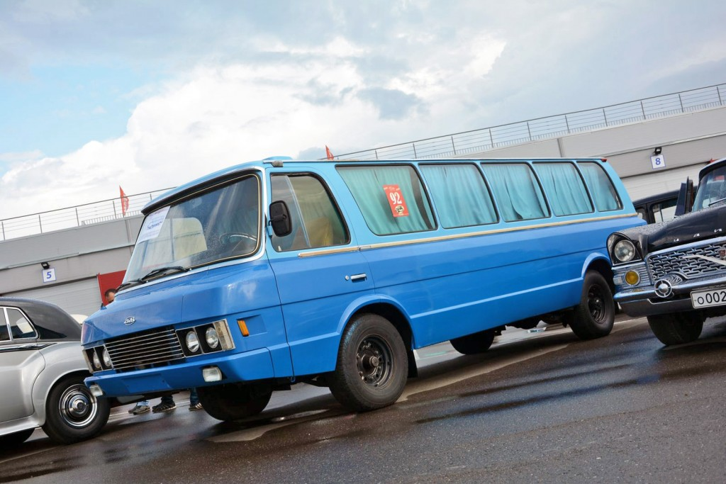 ZIL-3207