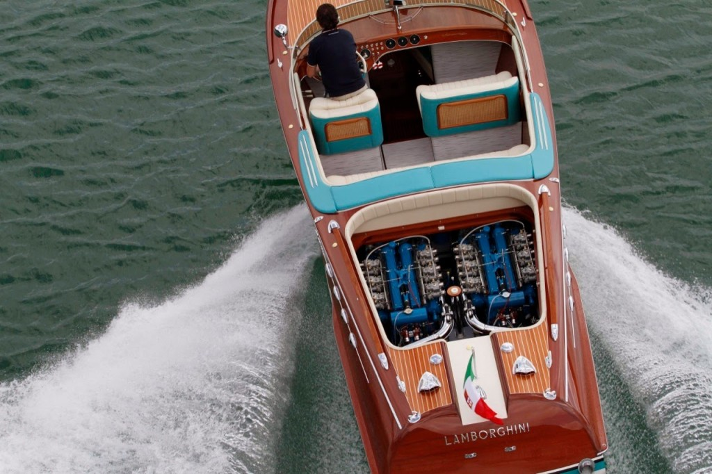 riva-lamborghini-speed-boat-10-1