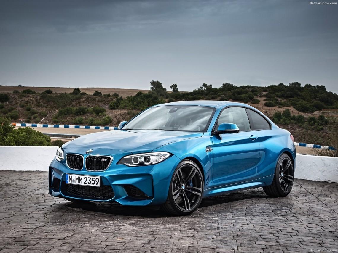 BMW-M2_Coupe_2016_1024x768_wallpaper_04