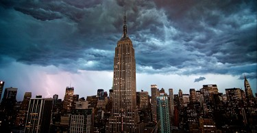 6896291-empire-state-building