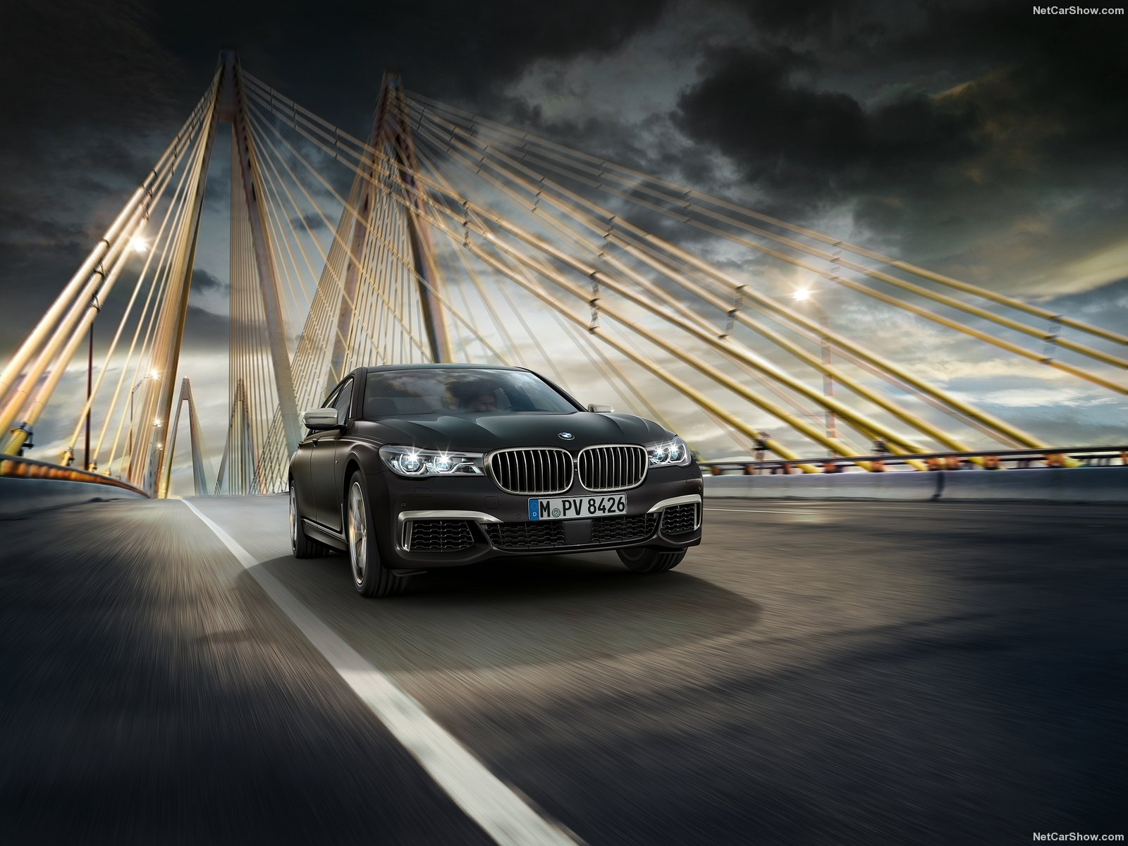 BMW-M760Li_xDrive_2017_1600x1200_wallpaper_02