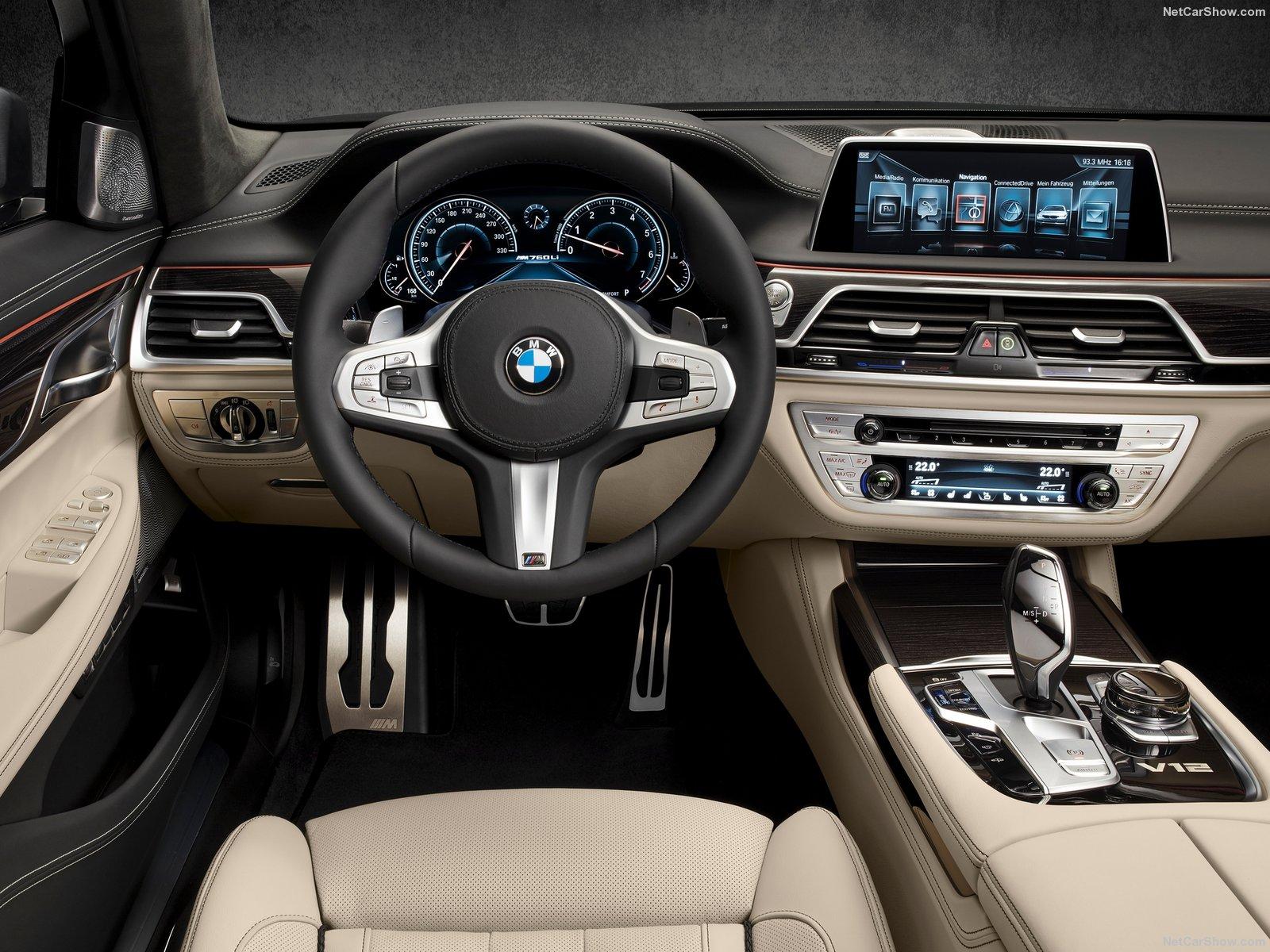 BMW-M760Li_xDrive_2017_1600x1200_wallpaper_11