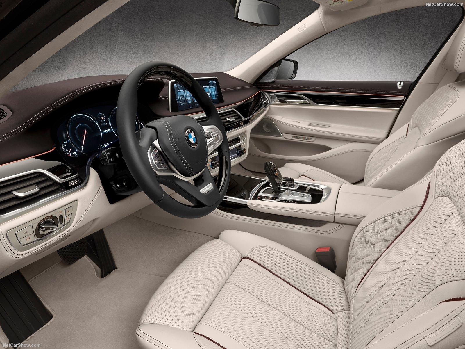 BMW-M760Li_xDrive_2017_1600x1200_wallpaper_12