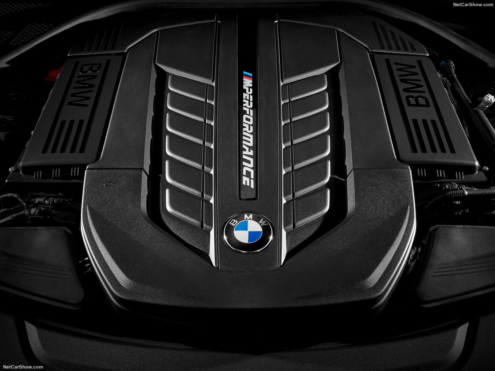 BMW-M760Li_xDrive_2017_1600x1200_wallpaper_22
