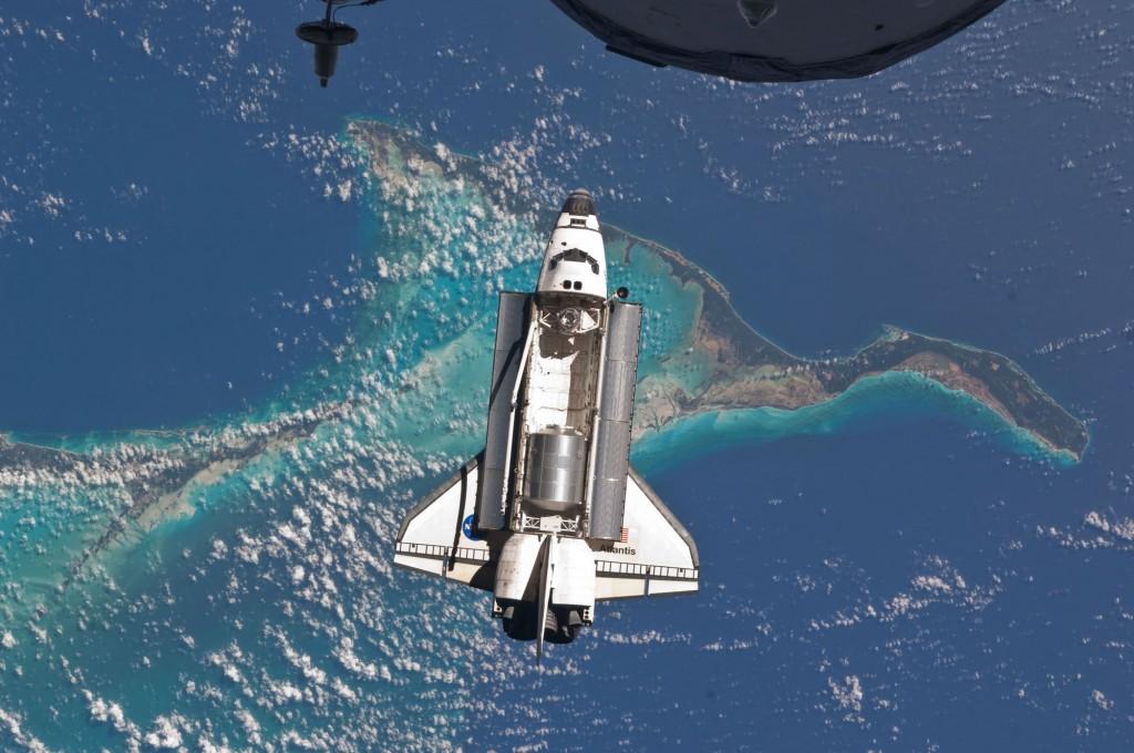 space-shuttle-atlantis-flip-ocean