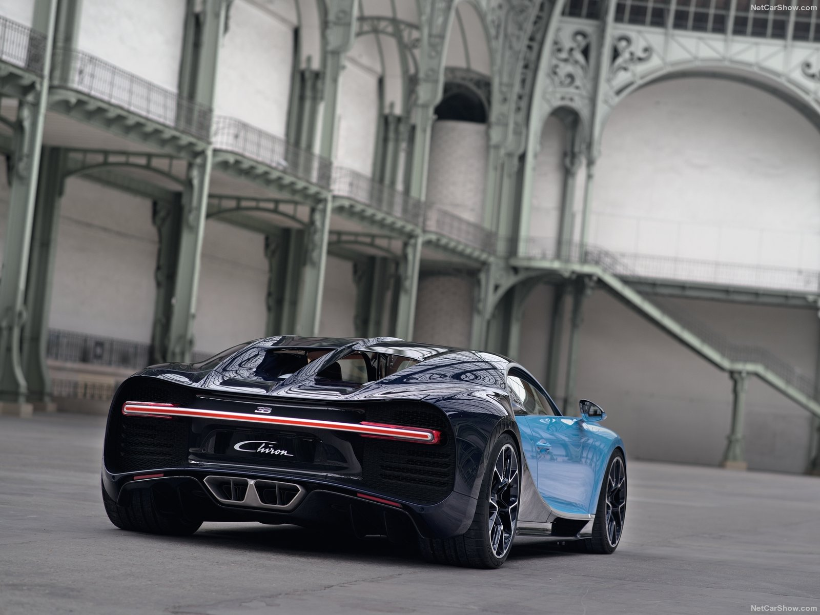 Bugatti-Chiron_2017_1600x1200_wallpaper_18