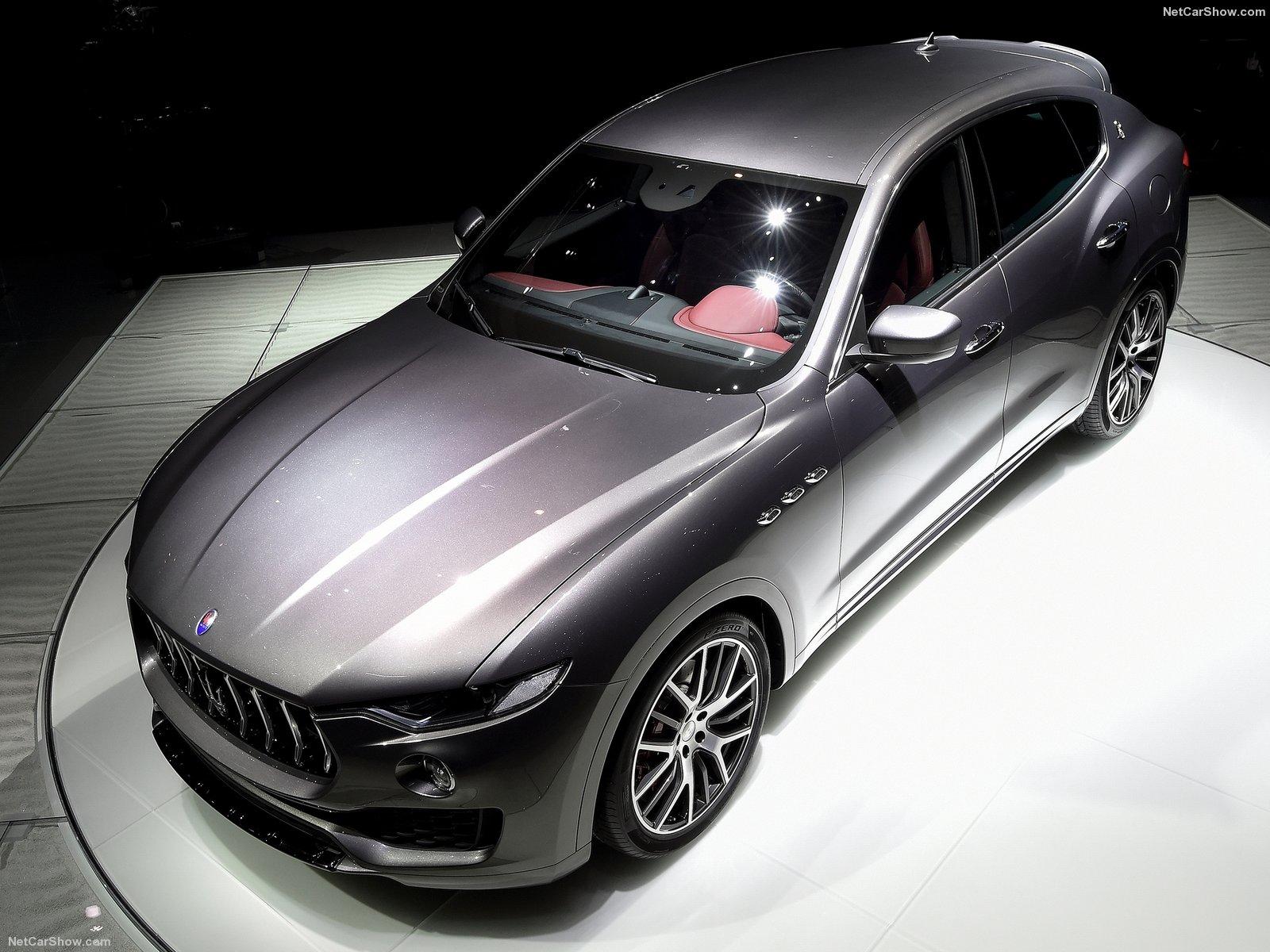 Maserati-Levante_2017_1600x1200_wallpaper_05