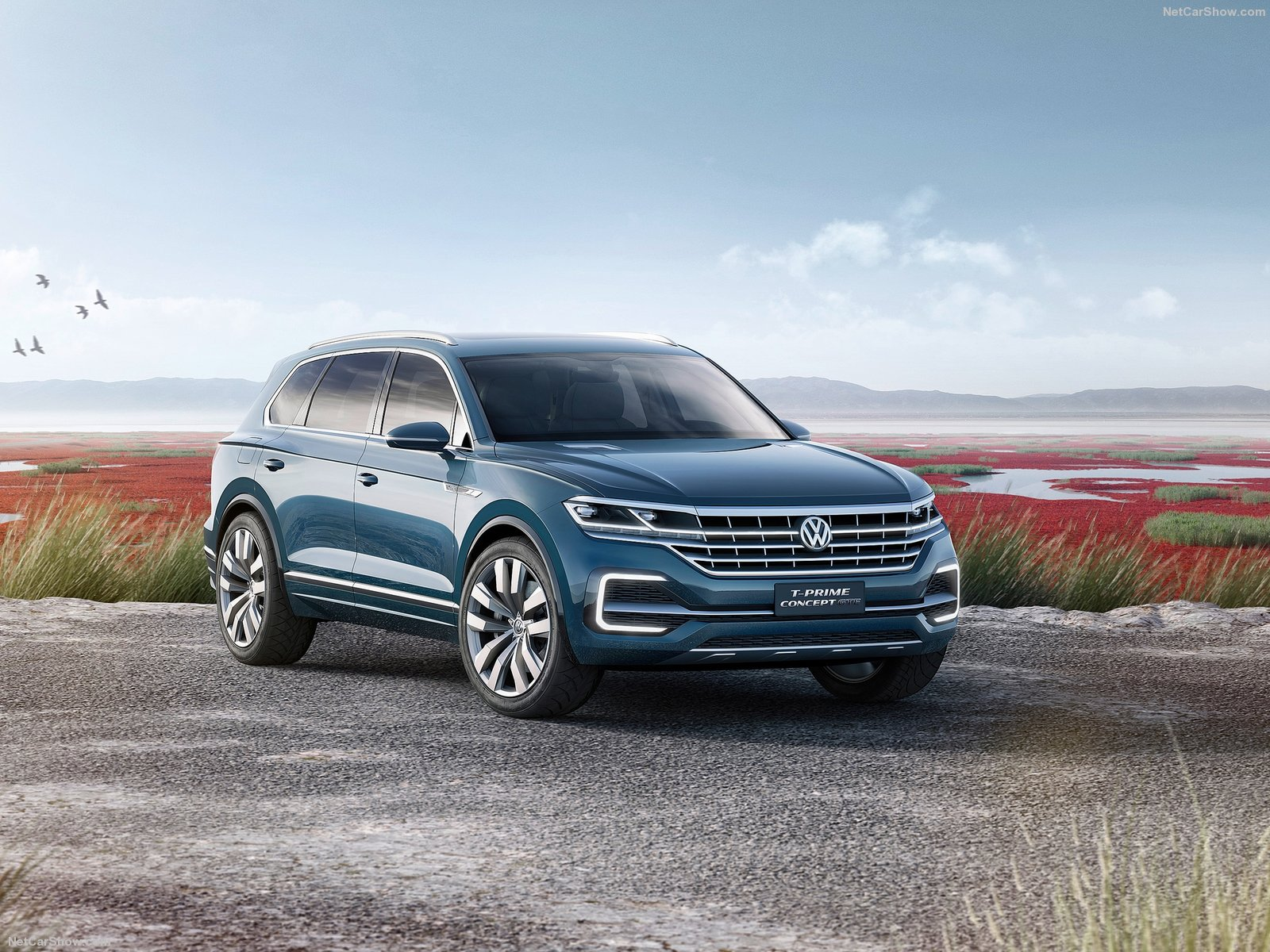Volkswagen-T-Prime_GTE_Concept-2016-1600-09