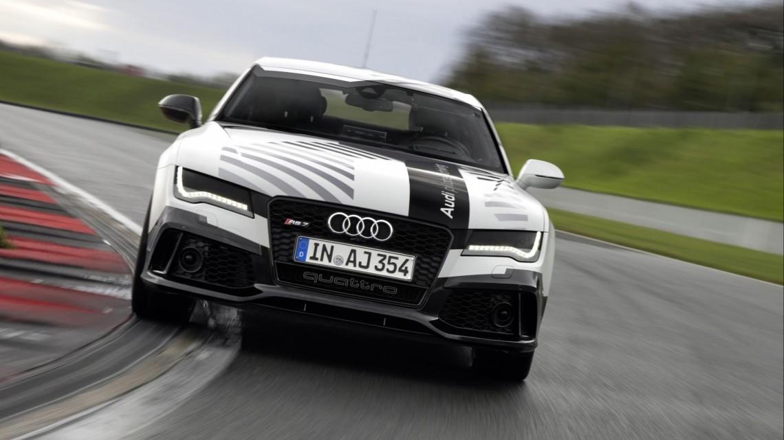 Как я пытался обогнать робота-гонщика на Audi RS7, тест-драйв