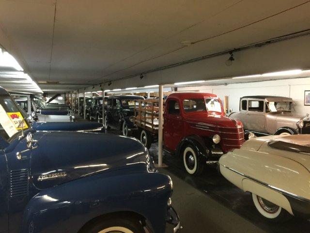 США, Чикаго - Музей Volo, довоенные и послевоенные автомобили