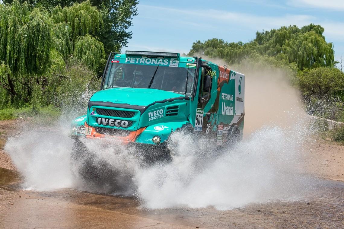 """Нетипичный """"Дакар-2016"""": битва грузовиков"""
