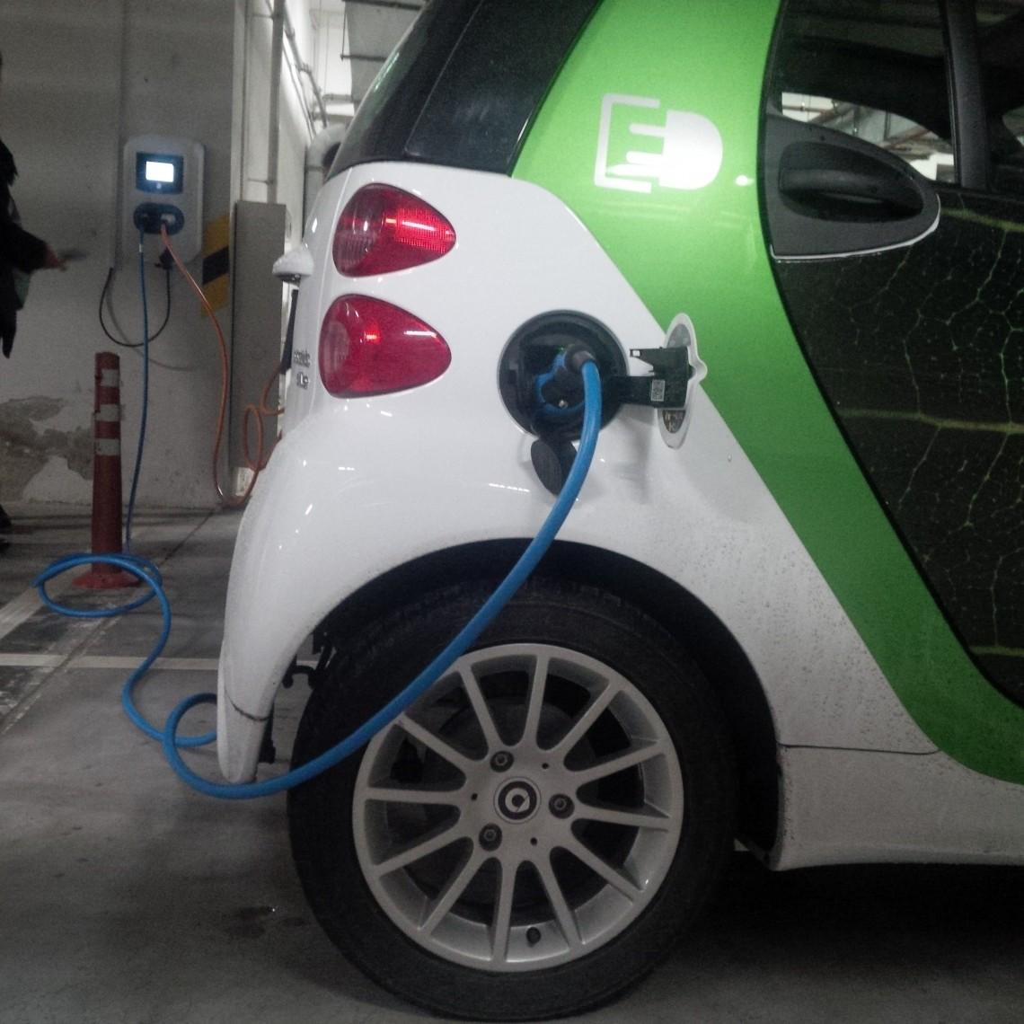 Открытие общественных заправок для электромобилей в Казани