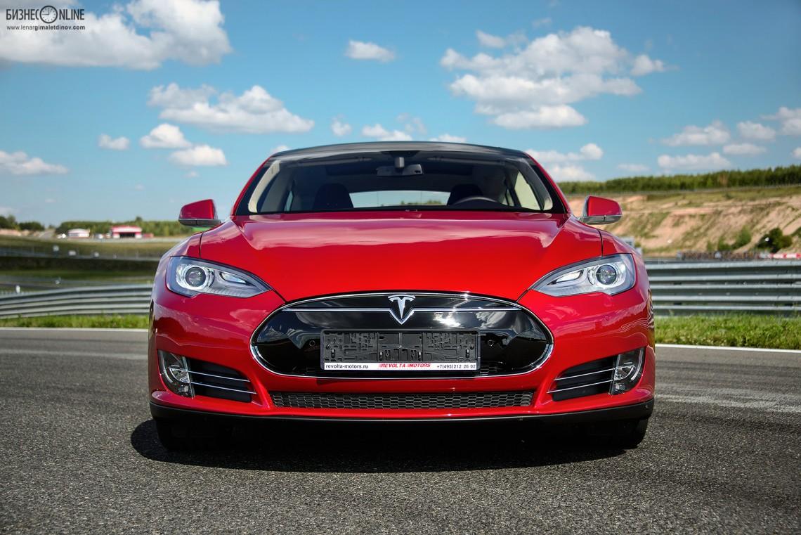 Тест-драйв Tesla Model S в Казани: красота электрической силы