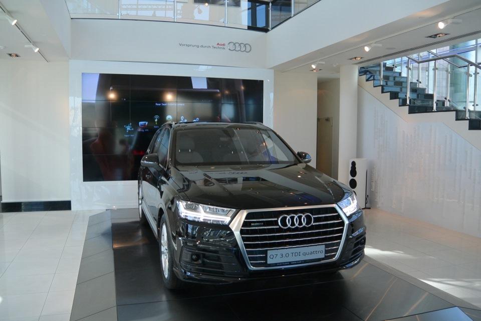 Абсолютно новый Audi Q7, единственная машина в России-закрытый показ (часть 1-внешний вид)