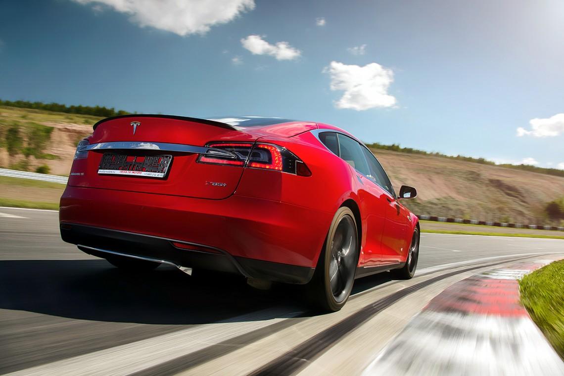 Тест-драйв Tesla Model S: Tesla непостоянного тока