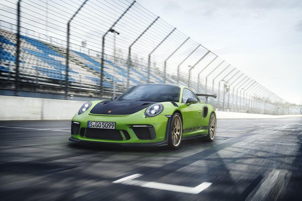 Новый Porsche 911 GT3 RS доступен для заказа в России