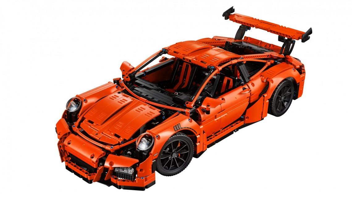 Porsche 911 GT3 RS от Lego в масштабе 1:1