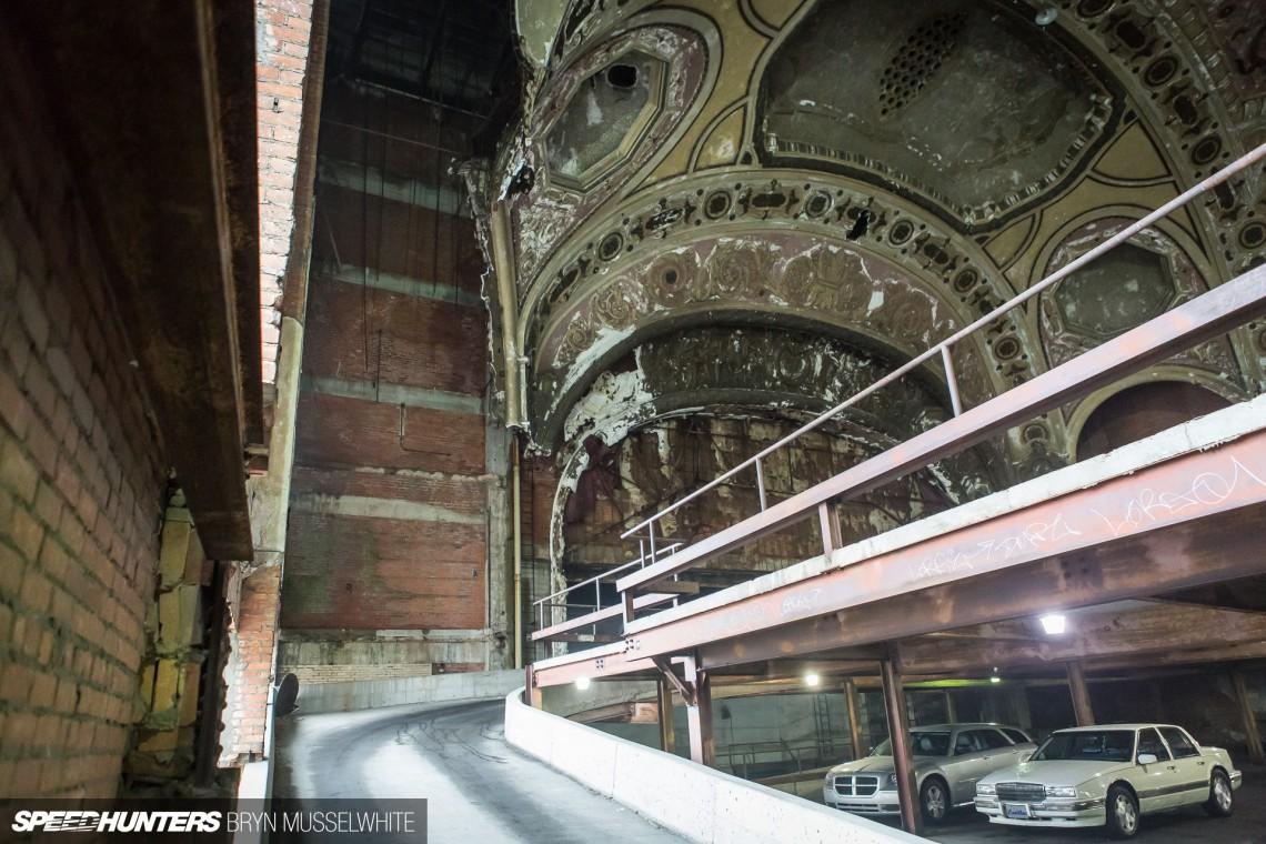 Спецкор—Bryn Musselwhite, Детройт—самая странная парковка в мире? Финал!