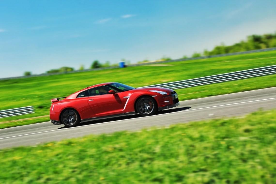 Казанские приключения «Годзиллы»: тест-драйв Nissan GT-R версии 2014