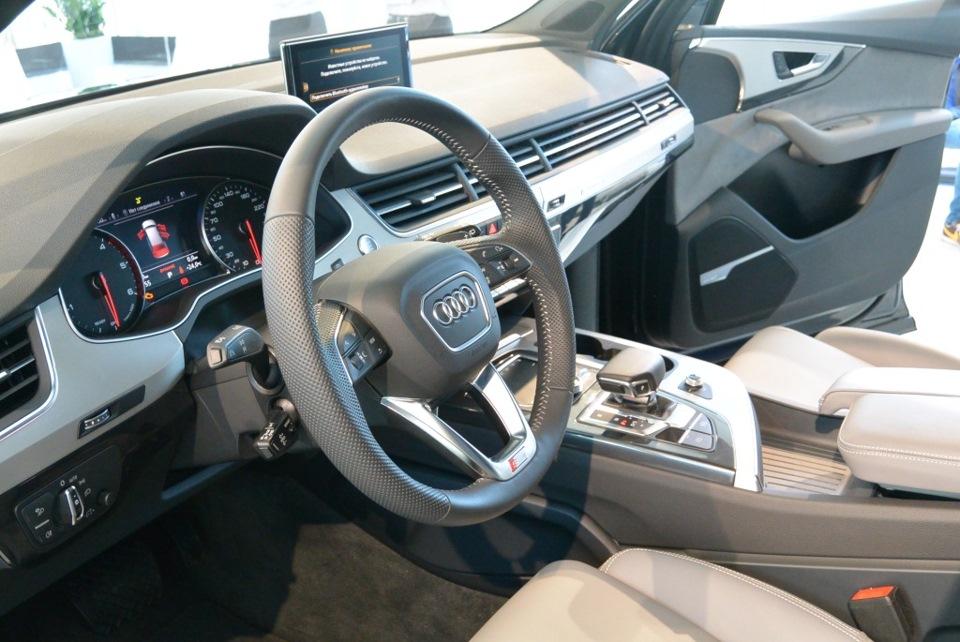 Абсолютно новый Audi Q7, единственная машина в России-закрытый показ (часть 2 — салон и комплектации)